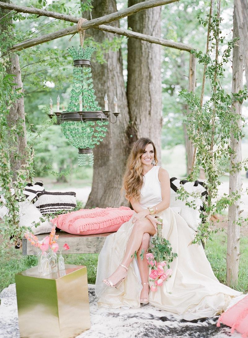 lounge-wedding-inspiration-fine-art-film-15-min.jpg