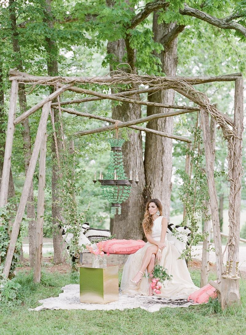 lounge-wedding-inspiration-fine-art-film-17-min.jpg
