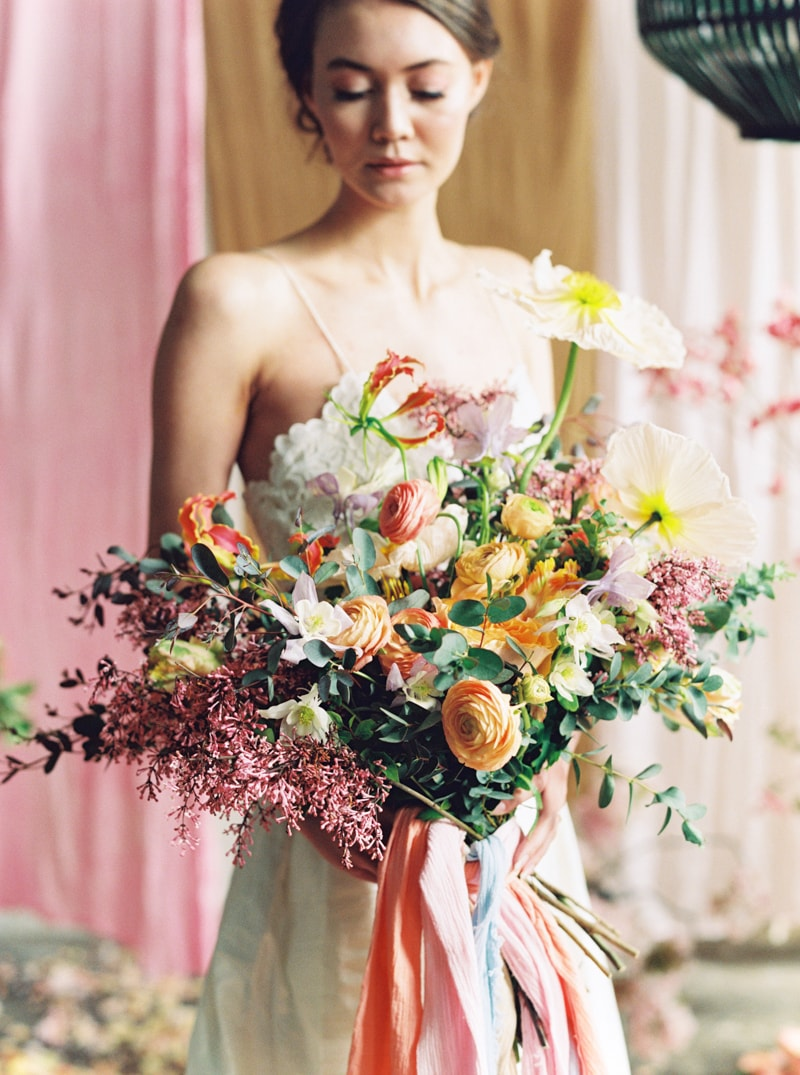 viva-color-wedding-inspiration-fine-art-portland-18-min.jpg