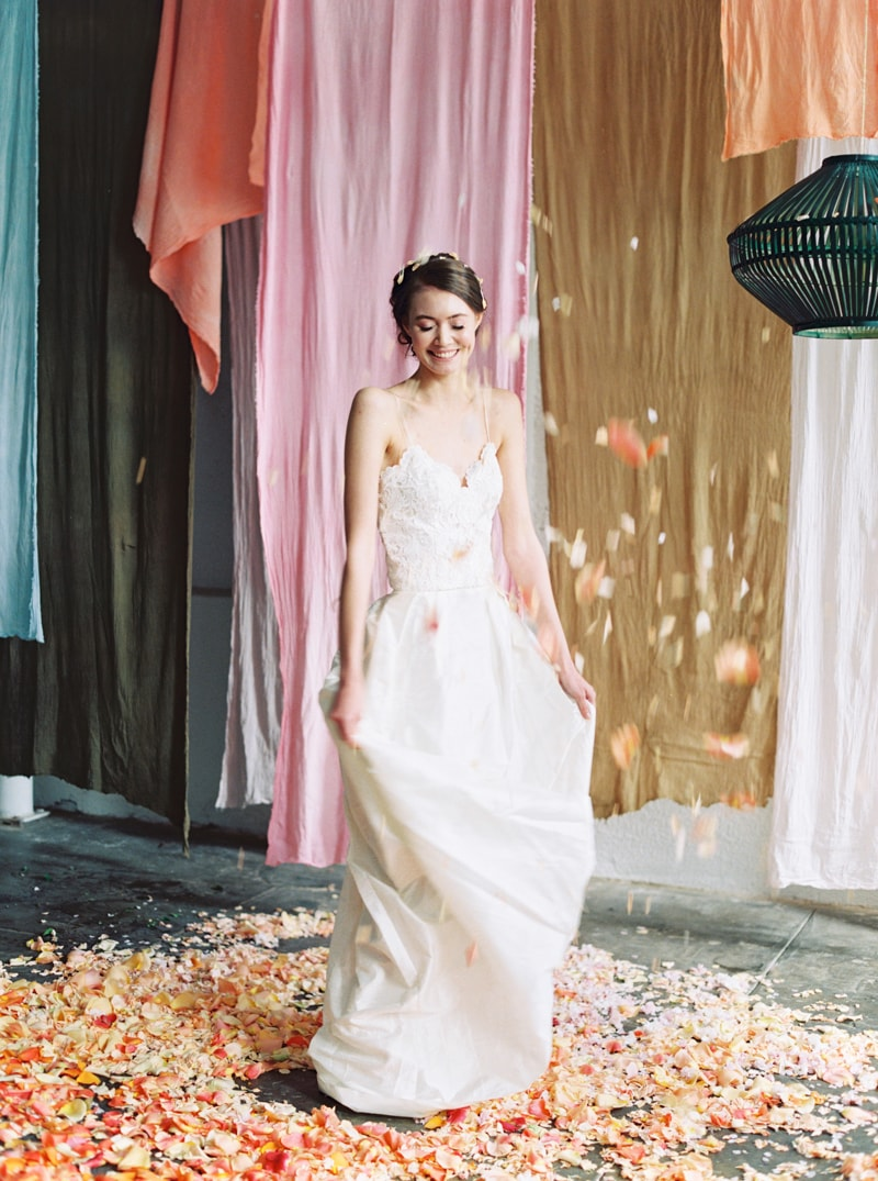 viva-color-wedding-inspiration-fine-art-portland-27-min.jpg