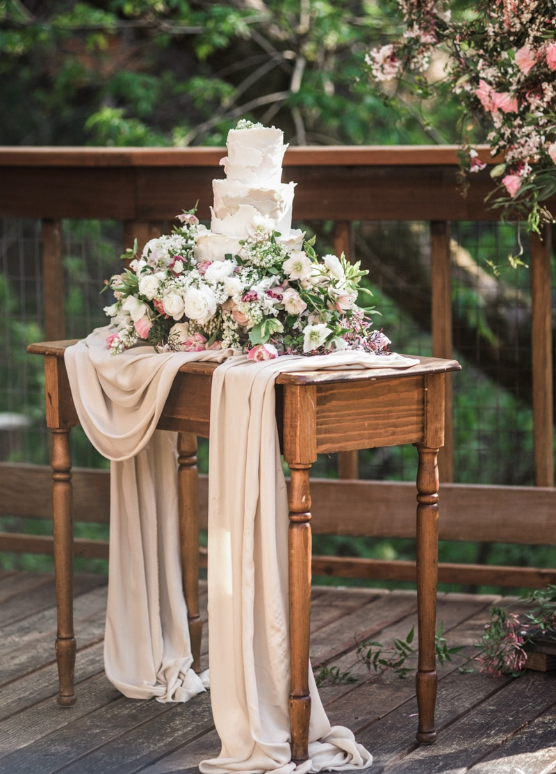 california-treehouse-wedding-inspiration-fine-art-16-min.jpg