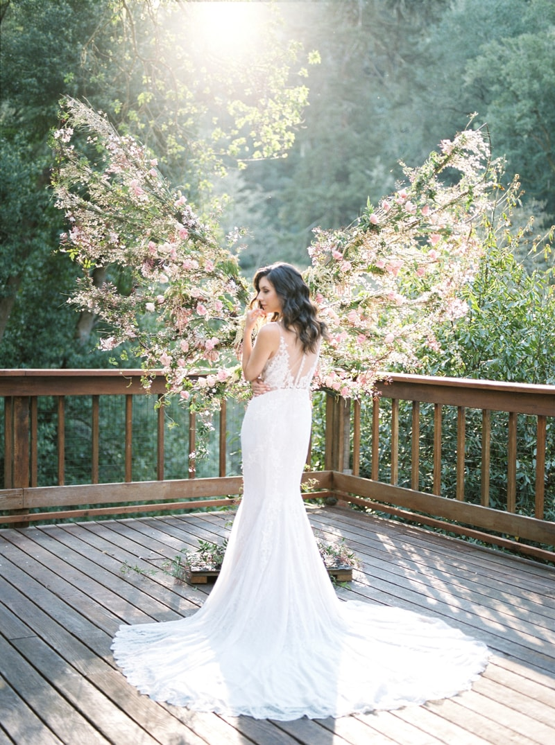 california-treehouse-wedding-inspiration-fine-art-5-min.jpg