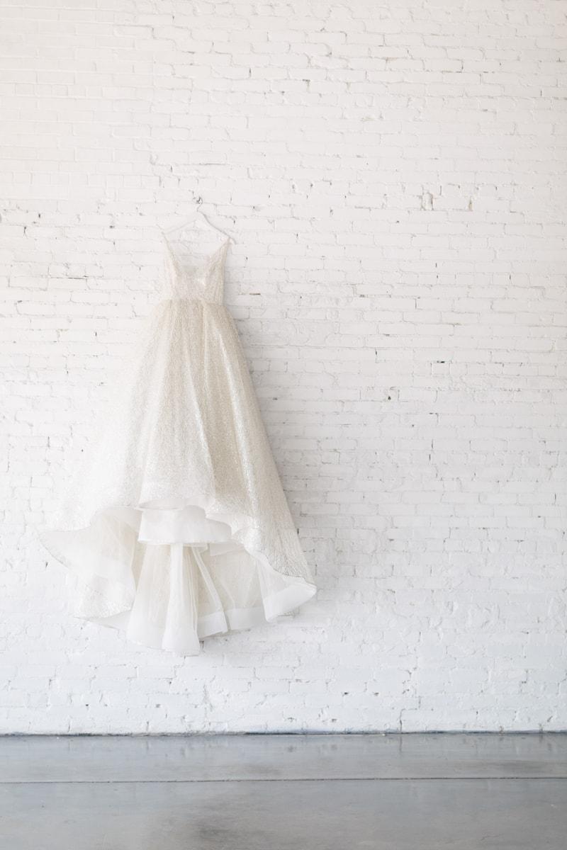 monochromatic-wedding-inspiration-african-american-2-min.jpg