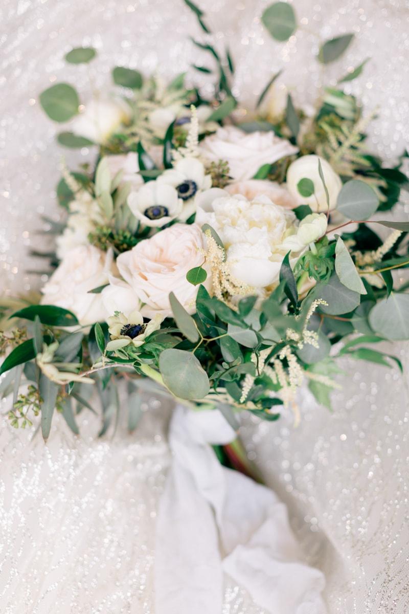monochromatic-wedding-inspiration-african-american-3-min.jpg