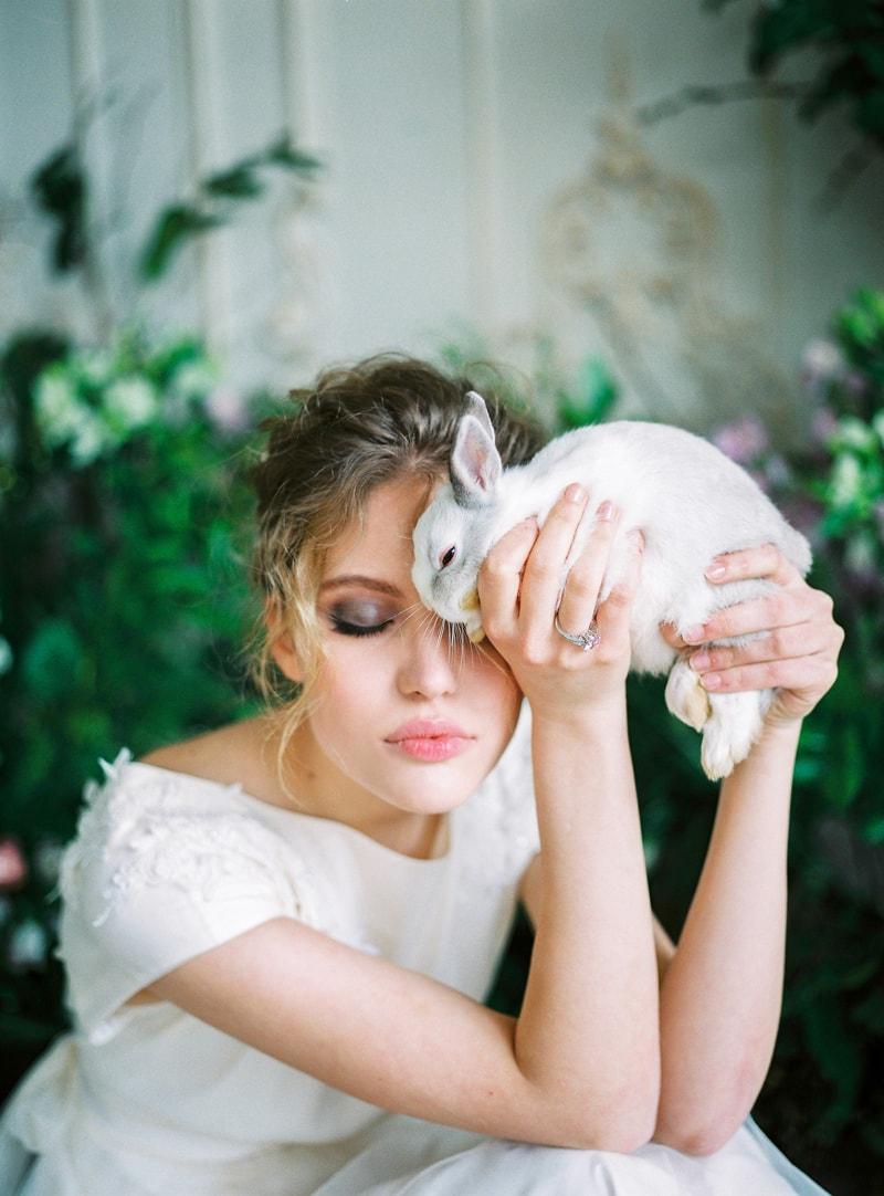 spring-wedding-inspiration-easter-bunny-contax-645-10-min.jpg