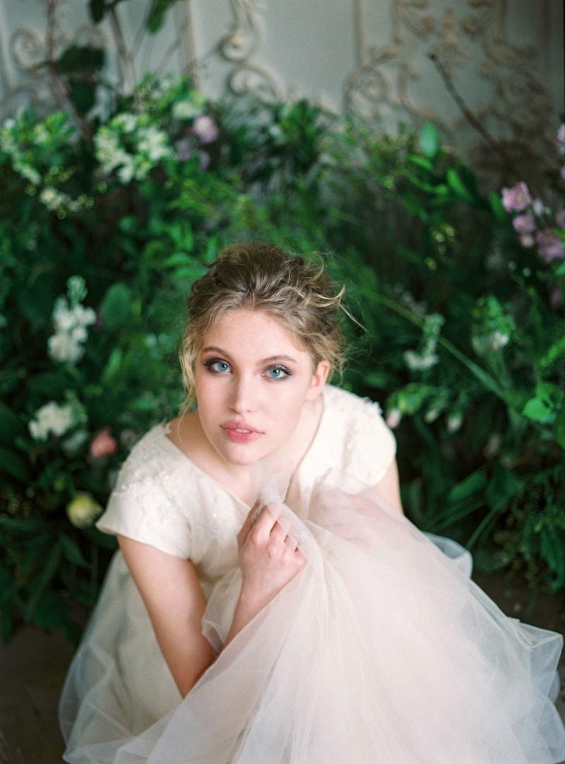 spring-wedding-inspiration-easter-bunny-contax-645-13-min.jpg