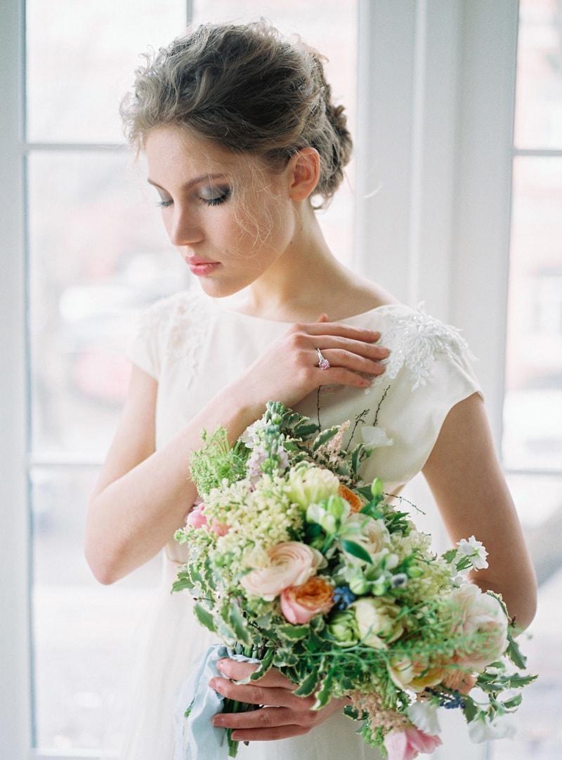 spring-wedding-inspiration-easter-bunny-contax-645-3-min.jpg