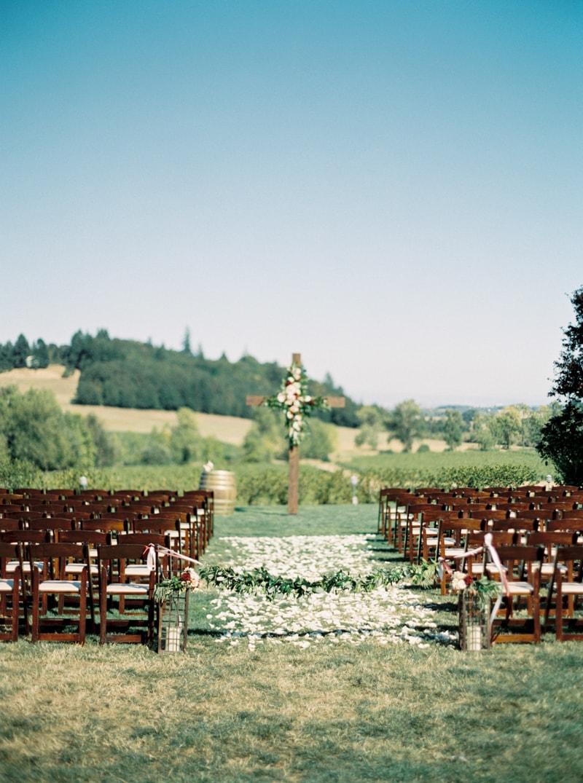 zenith-gardens-salem-oregon-wedding-photos-25-min.jpg
