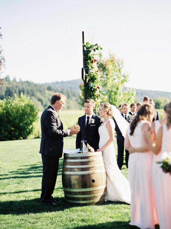 zenith-gardens-salem-oregon-wedding-photos-27-min.jpg