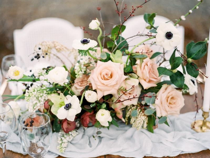red-lily-vineyards-wedding-inspiration-contax-645-15-min.jpg
