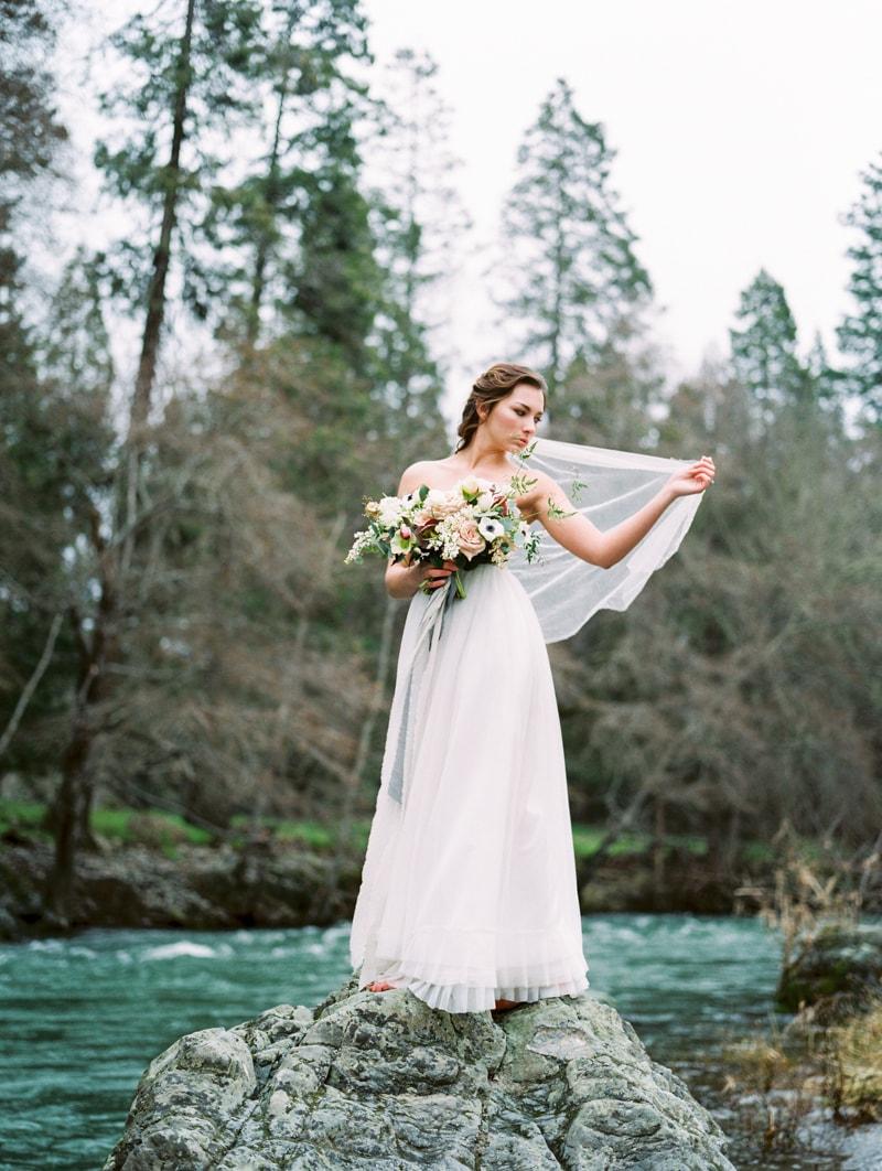 red-lily-vineyards-wedding-inspiration-contax-645-9-min.jpg