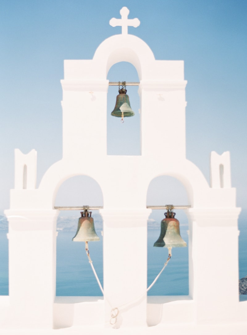 santorini-engagement-photos-greece-contax-645-min.jpg