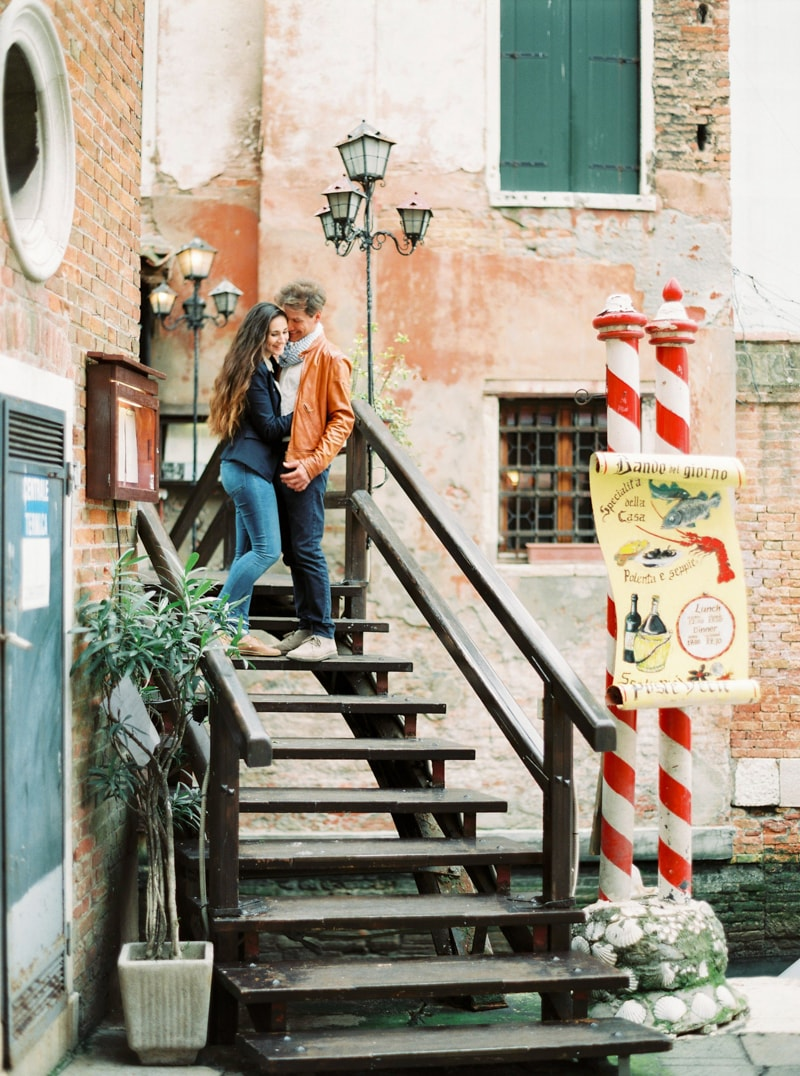 venice-italy-engagement-photos-contax-645-8-min.jpg
