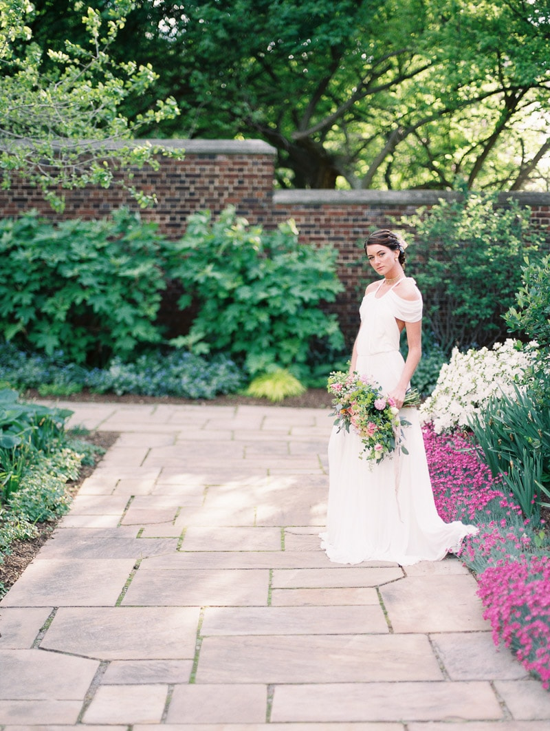 walled-garden-mellon-park-pittsburgh-wedding-shoot-4-min.jpg