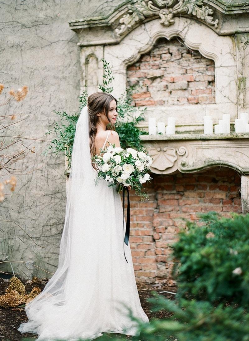 illuminating-company-Chicago-wedding-shoot-photos-5-min.jpg