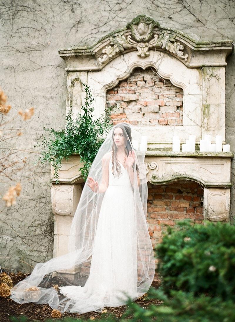 illuminating-company-Chicago-wedding-shoot-photos-6-min.jpg