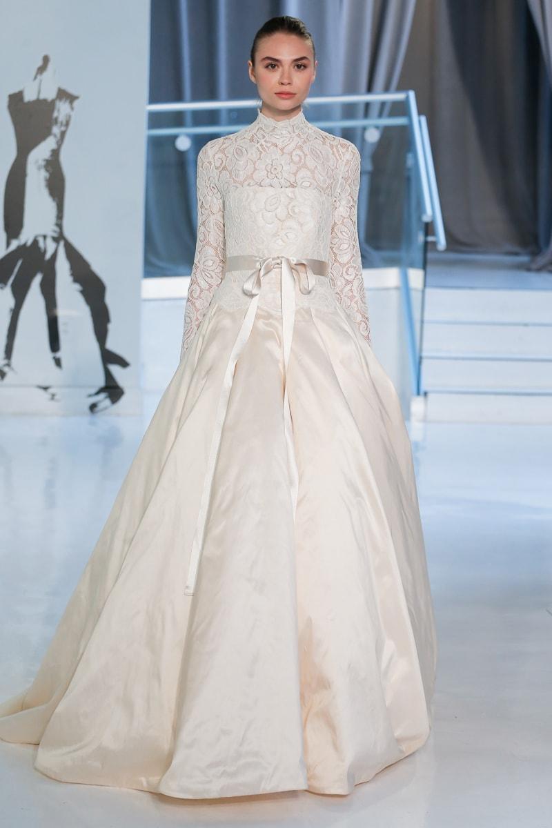 peter-langner-spring-2018-wedding-dresses-11-min.jpg