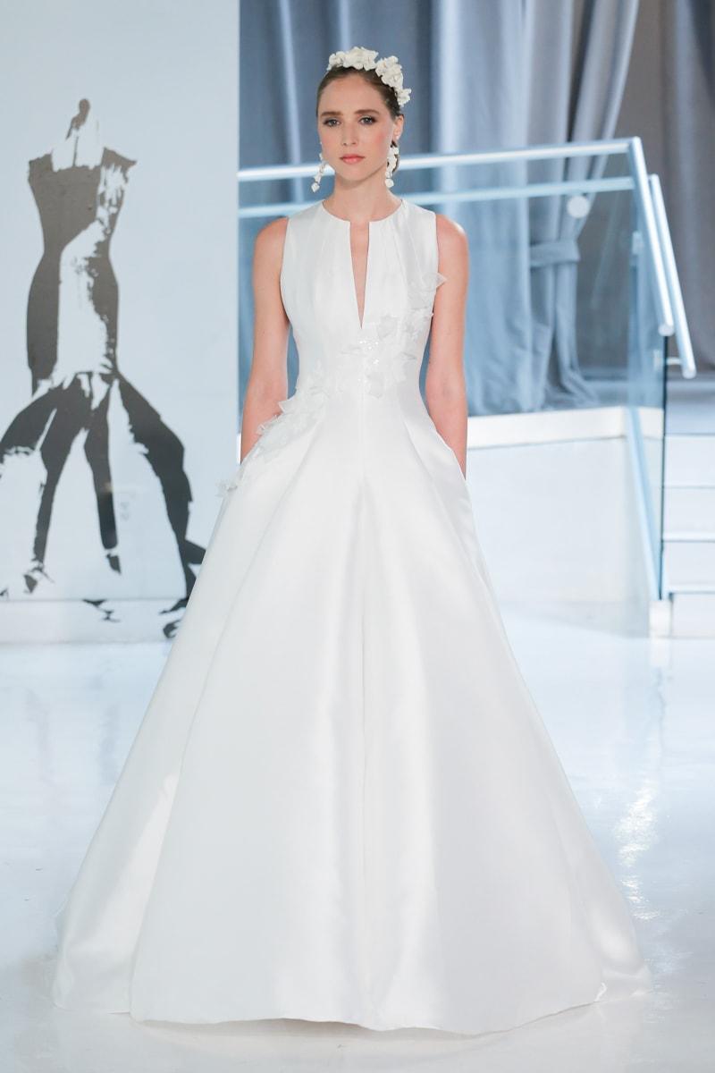 peter-langner-spring-2018-wedding-dresses-2-min.jpg
