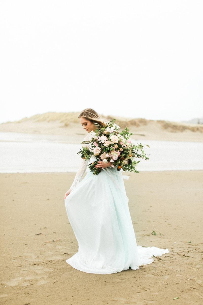 romantic-coastal-elopement-in-cannon-beach-3-min.jpg