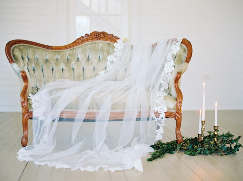 romantic-historic-home-bridal-inspiration-11-min.jpg
