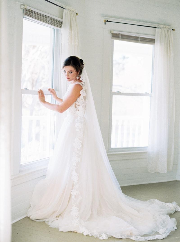 romantic-historic-home-bridal-inspiration-3-min.jpg
