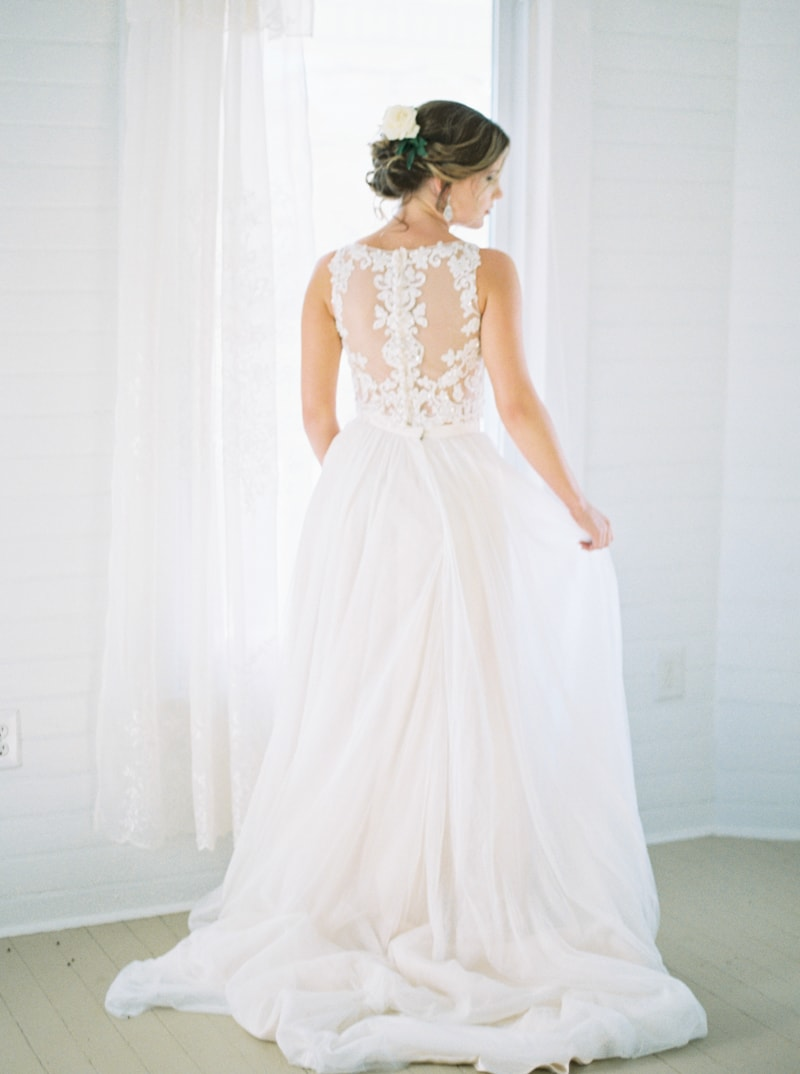 romantic-historic-home-bridal-inspiration-5-min.jpg