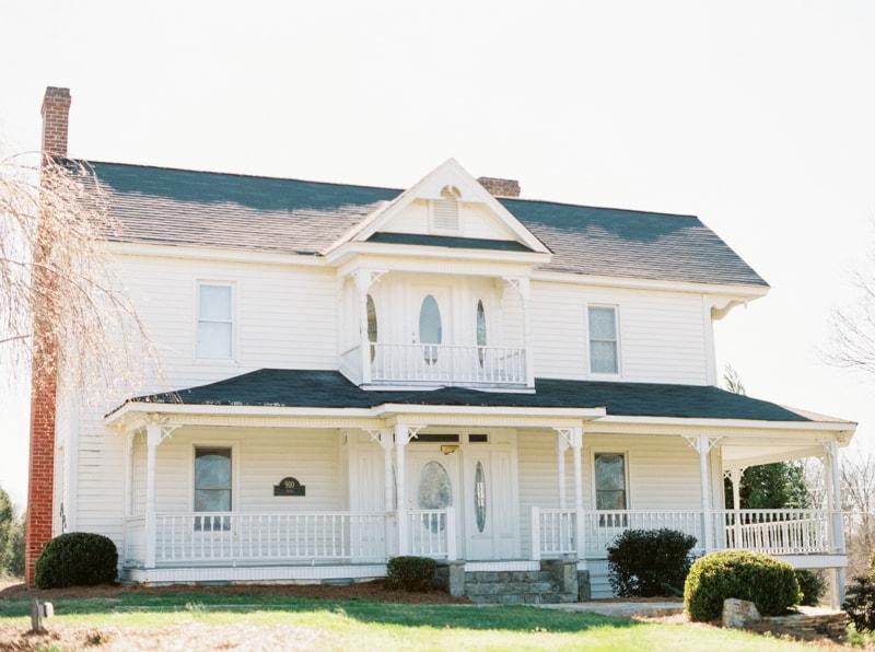 romantic-historic-home-bridal-inspiration-min.jpg