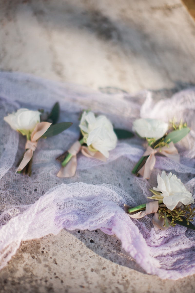 sun-kissed-lavender-styled-wedding-inspiration-10-min.jpg