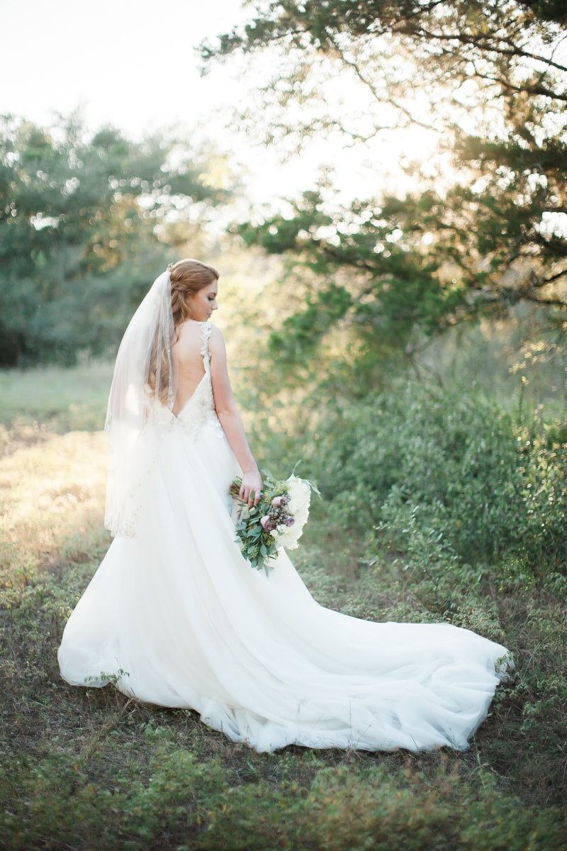 sun-kissed-lavender-styled-wedding-inspiration-6-min.jpg