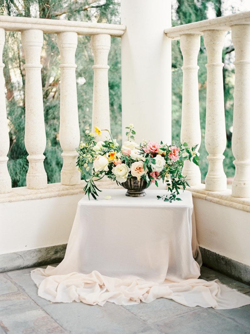 villa-kapistris-dyo-paphos-cyprus-wedding-inspiration-min.jpg