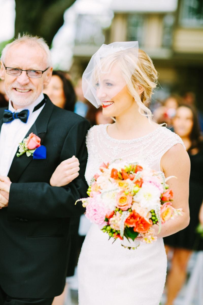 birdcage-veils-for-trendy-brides-wedding-blog-3-min.jpg