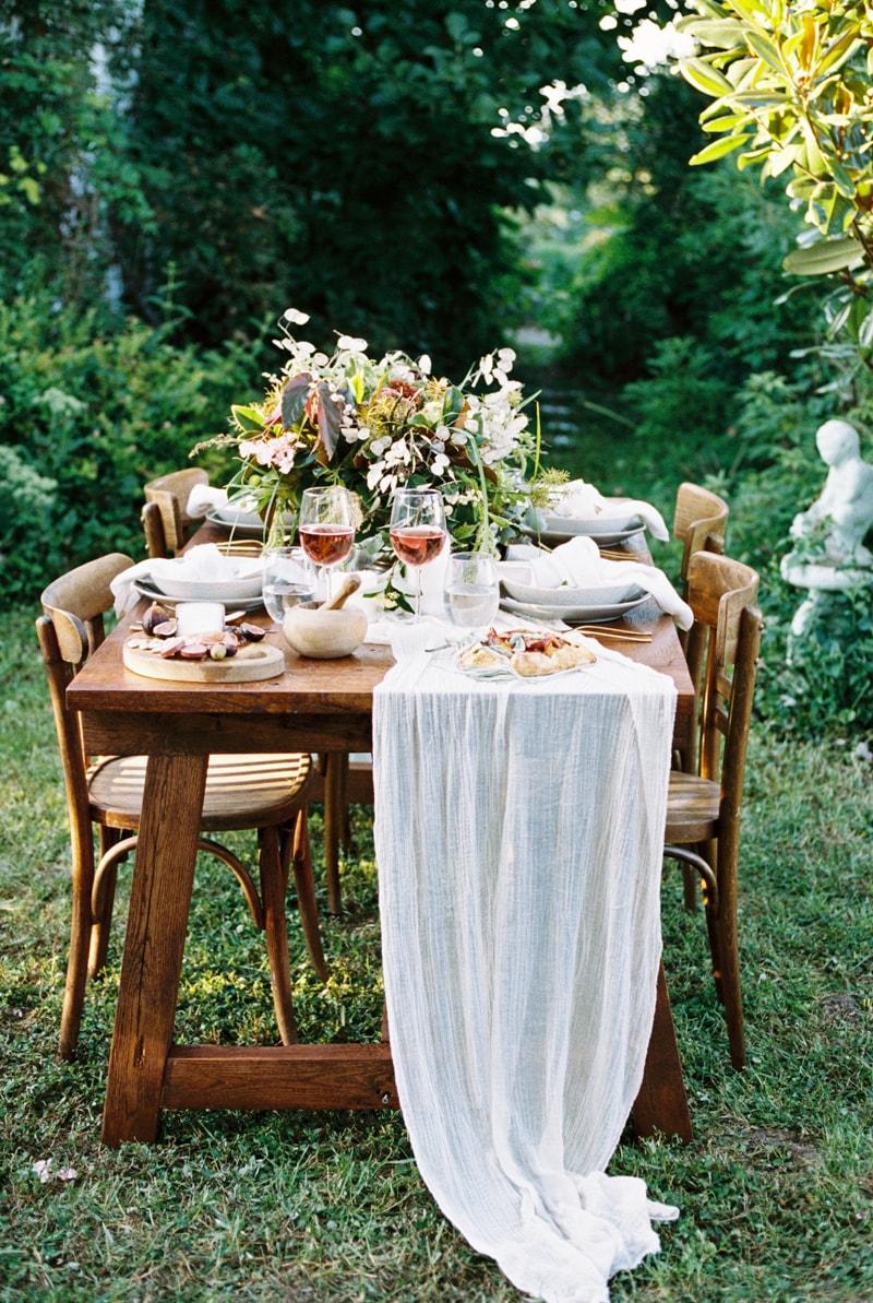 farmhouse-wedding-hazelfield-farm-kentucky-22-min.jpg