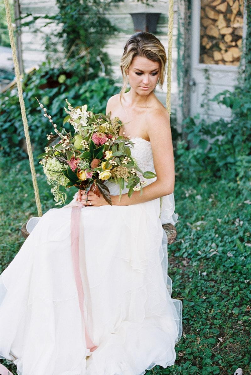 farmhouse-wedding-hazelfield-farm-kentucky-31-min.jpg