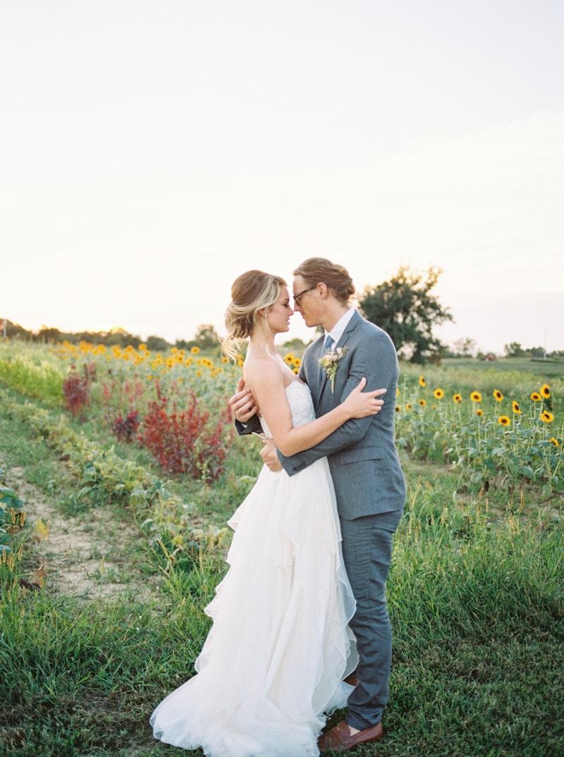 farmhouse-wedding-hazelfield-farm-kentucky-7-min.jpg