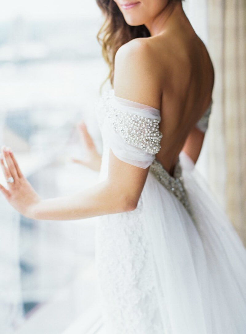 off-the-shoulder-wedding-dresses-fashion-7.jpg