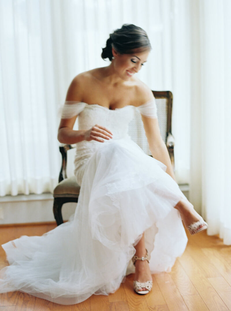 off-the-shoulder-wedding-dresses-fashion.jpg