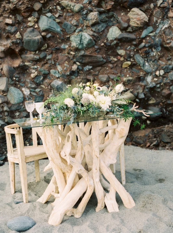 sweetheart-table-ideas-for-wedding-receptions-5-min.jpg