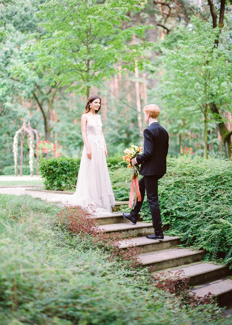 belarus-wedding-inspiration-shoot-trendy-bride-9-min.jpg
