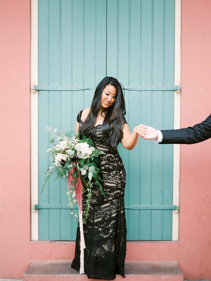 new-orleans-wedding-anniversary-shoot-trendy-bride-4-min.jpg
