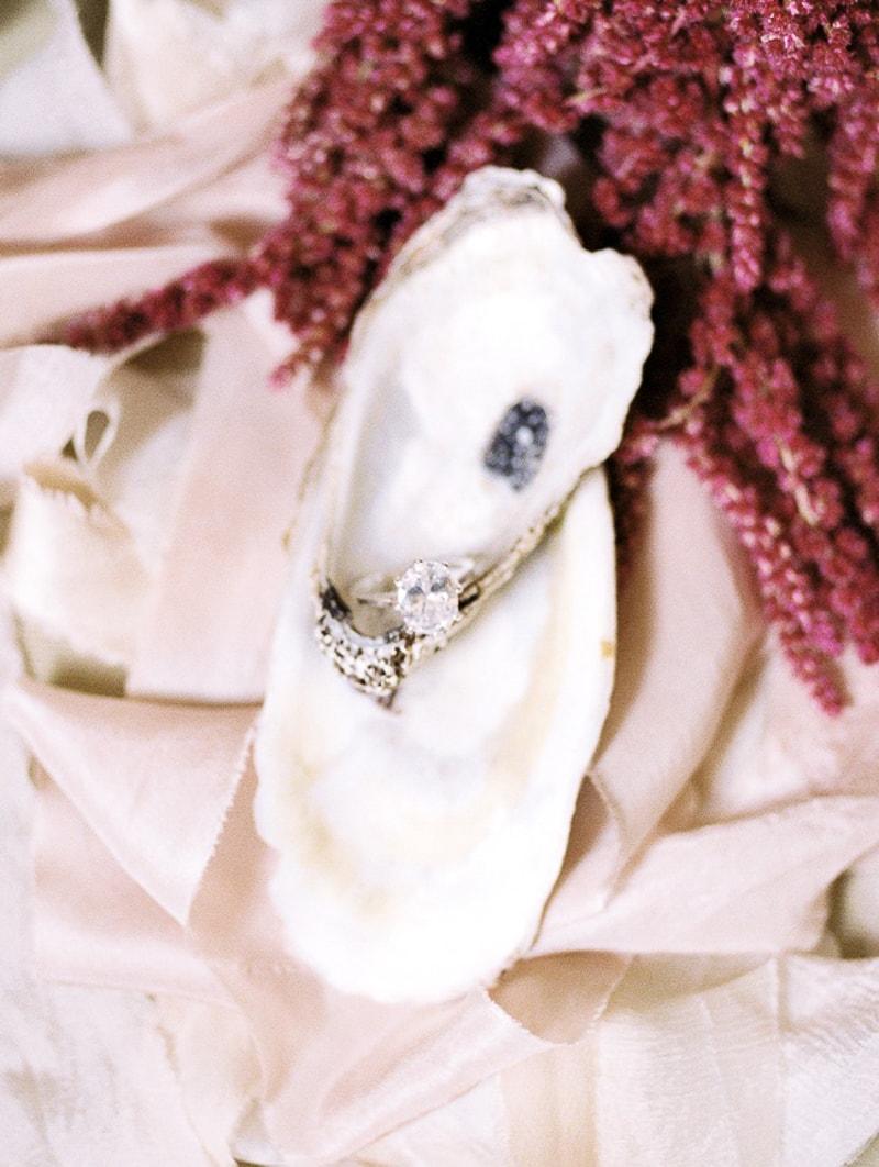 new-orleans-wedding-anniversary-shoot-trendy-bride-min.jpg