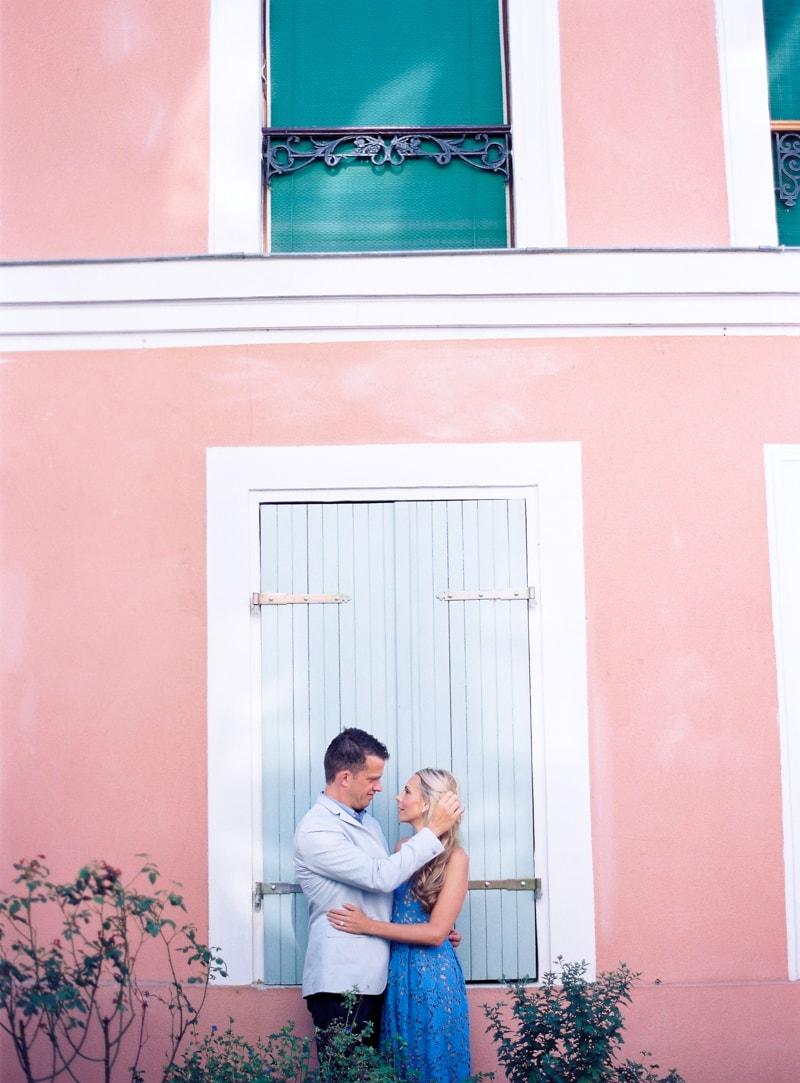 paris-engagement-photos-trendy-bride-wedding-blog-19-min.jpg