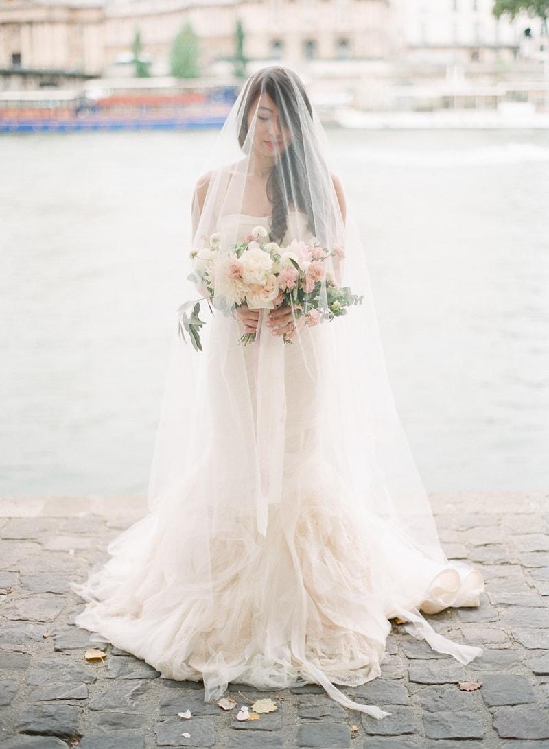 pre-wedding-engagement-photos-in-Paris-12-min.jpg