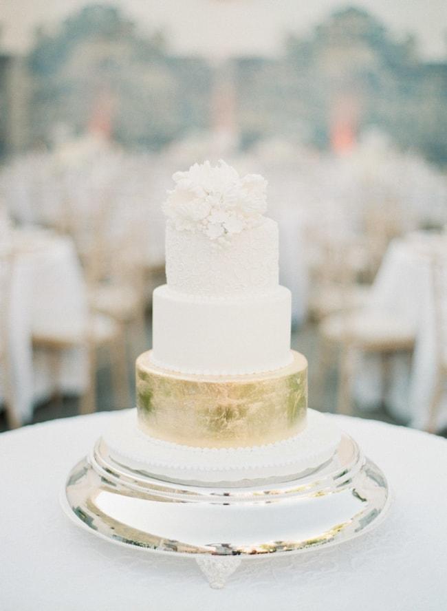 gold-foil-wedding-cake-4-min.jpg