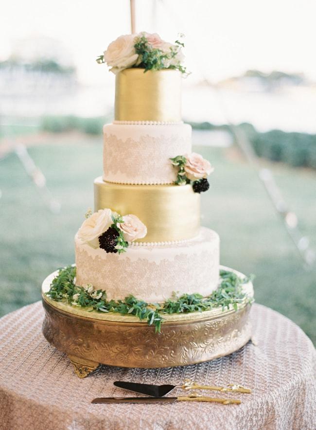 gold-foil-wedding-cake-6-min.jpg