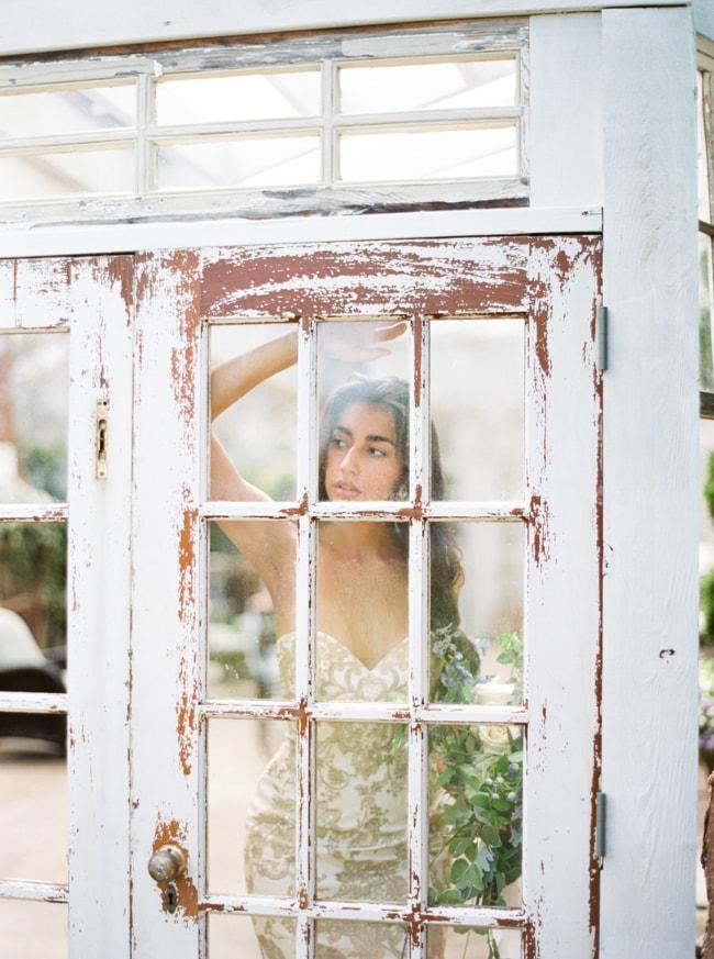 watson-house-garden-wedding-shoot-18-min.jpg