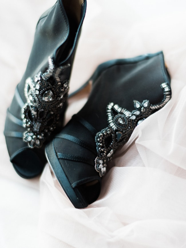black-wedding-heels-shoes-5-min.jpg