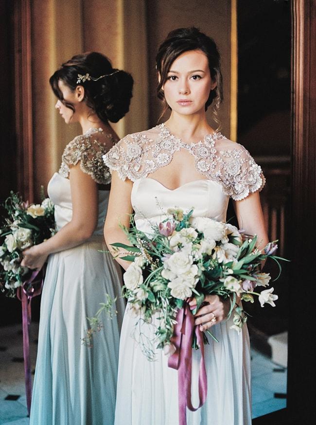 minaree-finery-bridal-capelets_-4-min.jpg