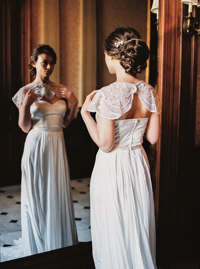 minaree-finery-bridal-capelets_-5-min.jpg