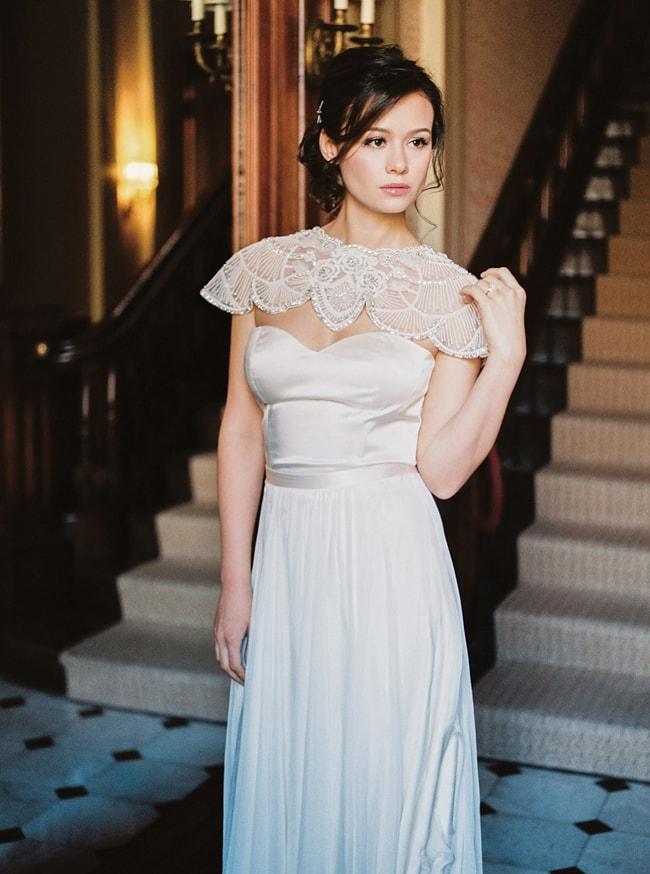 minaree-finery-bridal-capelets_-6-min.jpg