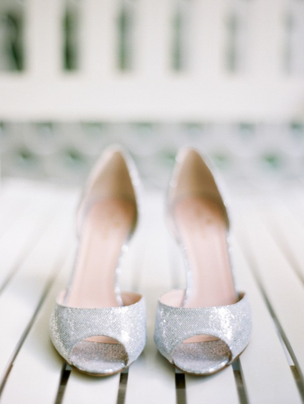 silver-wedding-shoes-idea-for-the-bride-3.jpg